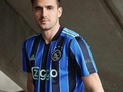 Ajax kit 2021/22